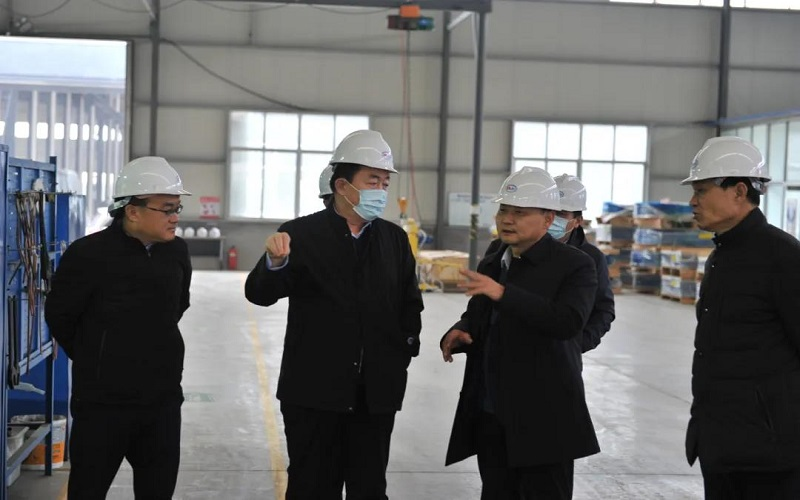 Pi Taitian, secretary of the Zouping Municipal CPC Committee, went to investigate the high-tech stre
